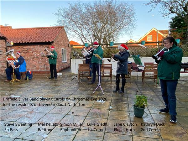 Christmas 2020 Band plays for Lavender Court